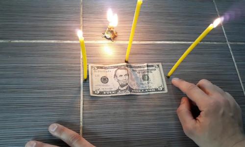 Опасность найденных на улице денег – как вместе с ними не подобрать себе статью