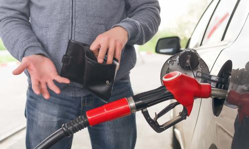 В России снова начал дорожать бензин
