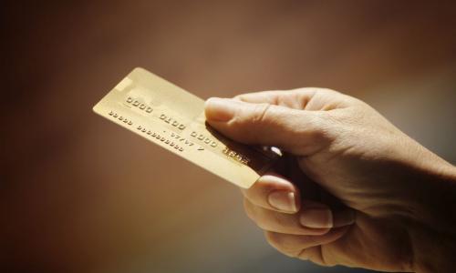 Почему нужно обязательно иметь не менее двух банковских карт и на одной из них не должно быть денег