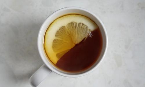 Почему чай нельзя заваривать кипятком