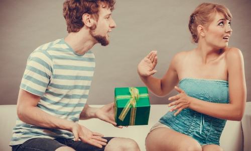 Перечислены худшие подарки женщинам на 8 Марта