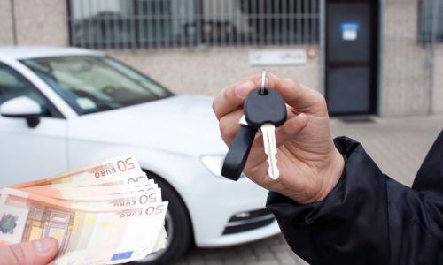 Продал авто, а пришли штрафы за нового владельца. Что делать?