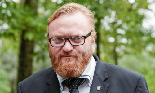 Милонов предложил платить женщинам за рождение и воспитание детей