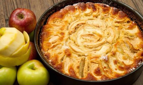 Яблочная шарлотка для ленивых рецепт