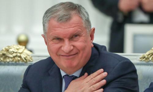 «60 000 рублей в минуту»: в разгар кризиса выплаты топ-менеджерам «Роснефти» выросли на 586%!