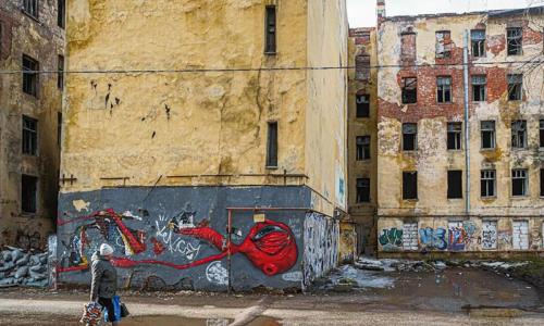 Путин поручил выделить 45 миллиардов рублей на расселение аварийного жилья