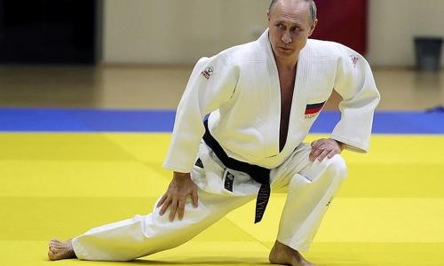 Путин рассказал, как сломанный нос побудил его уйти из бокса в борьбу