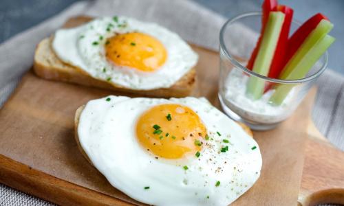 Можно ли есть яйца на завтрак каждый день
